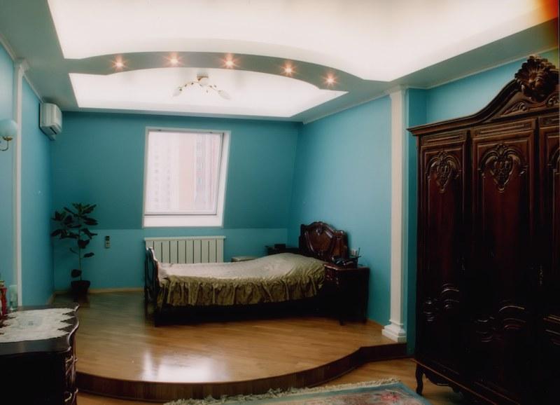 комната в мансарде после ремонта
